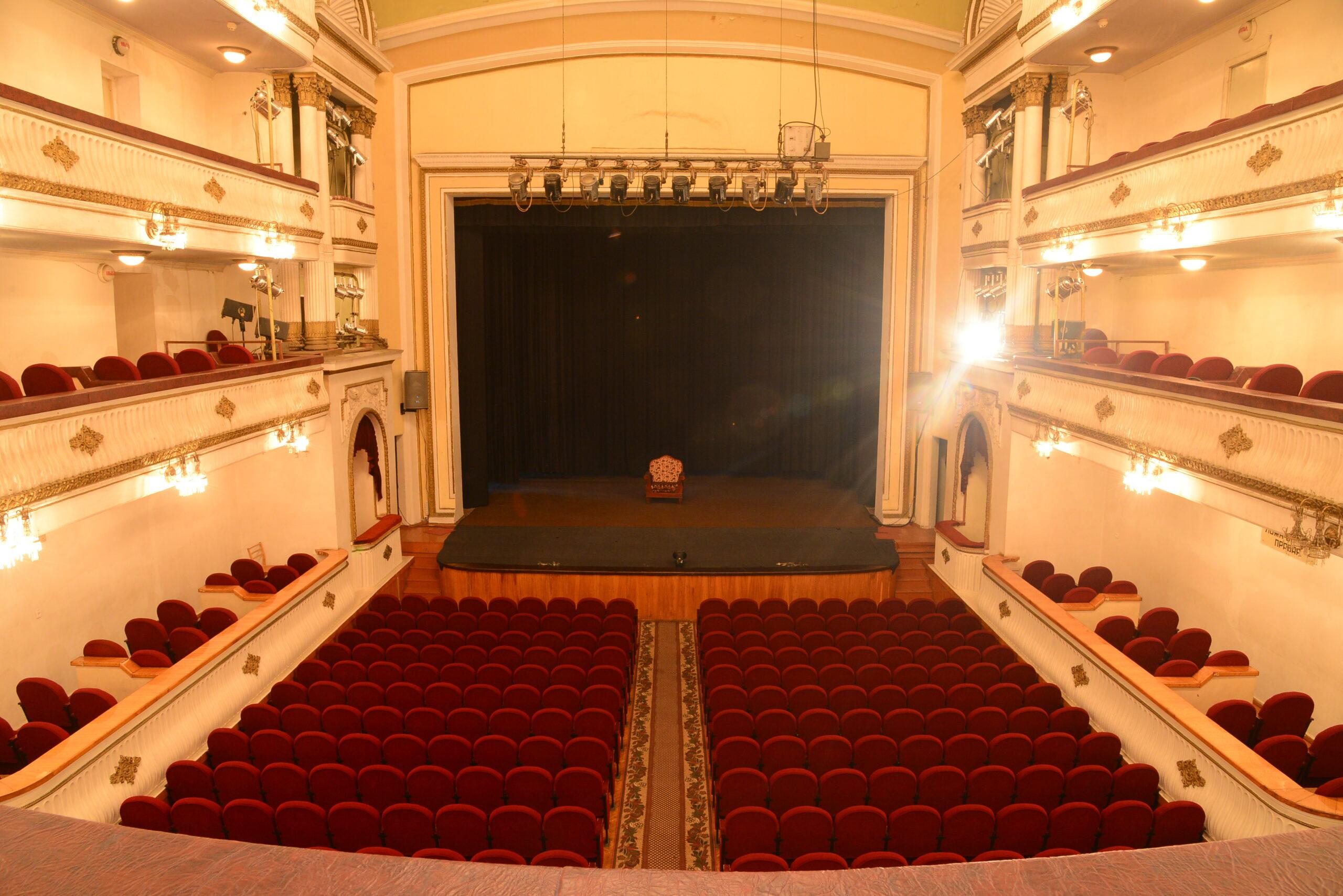 Зі святом – Міжнародним днем театру!
