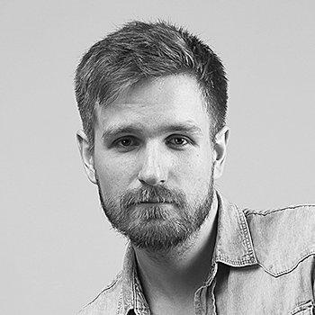 Актор театру Юрій Захаров