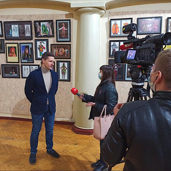 ТАКСИСТ 2 ЗМІ Директор театру Сергій Мазаний Продовження популярної вистави фото6