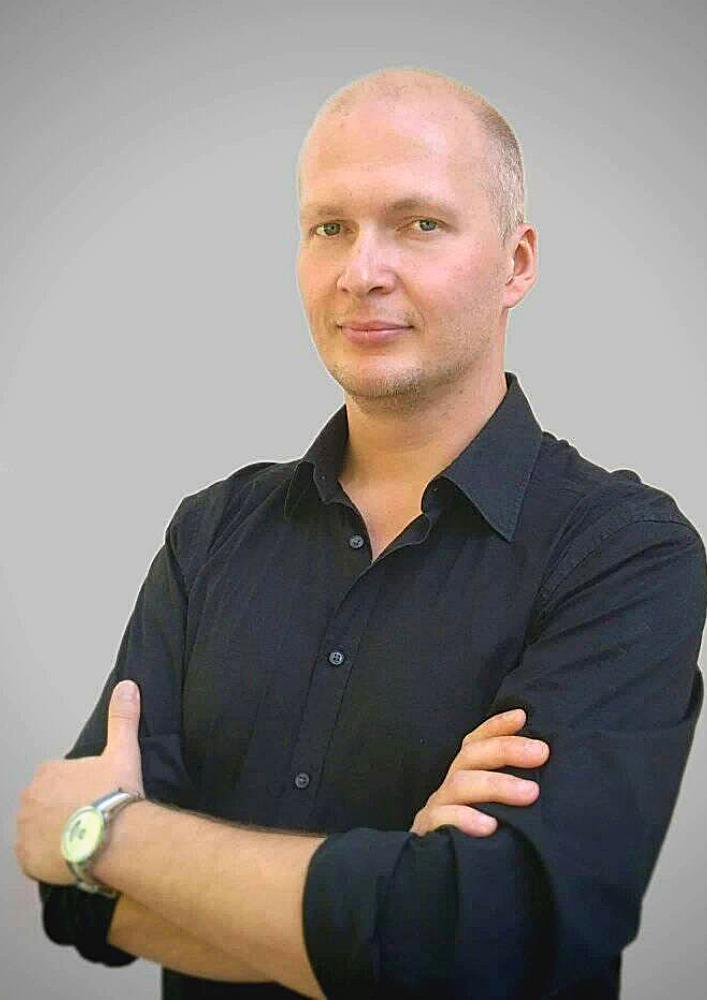 Актор Влад Лебедєв Театр Драміком