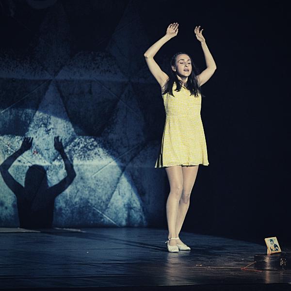 Театр Горького Днепр - ДРАМіКОМ Вітаємо актрису Марію Мілєнковіч з Днем народження фото5