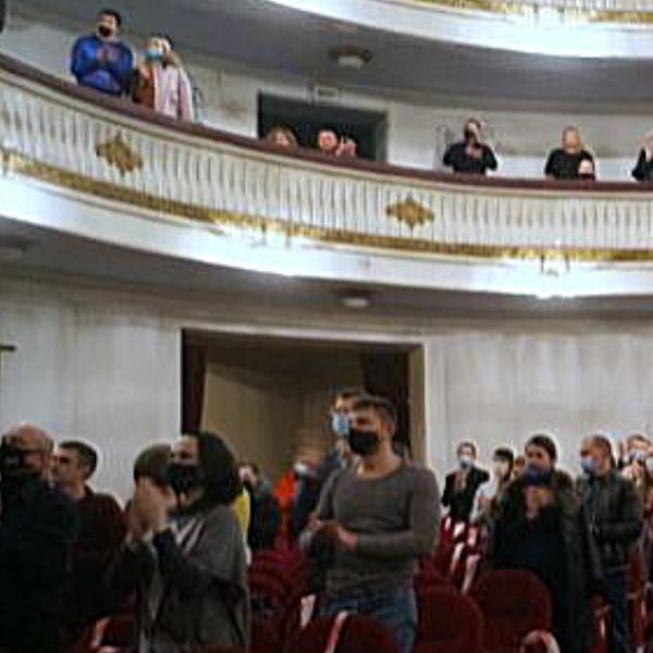 Театр Горького Днепр - ДРАМіКОМ Прем'єра вистави Саша, винеси сміття 081220 фото6