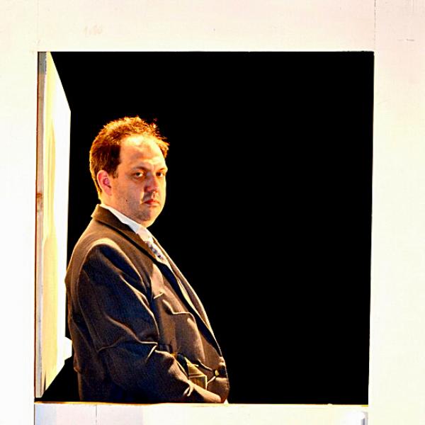Театр Горького Днепр - ДРАМіКОМ Актор Артур Опрятний Ревізор фото9